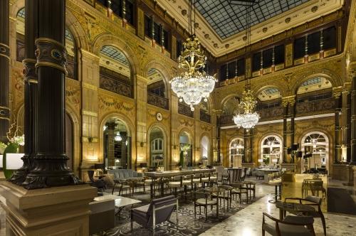 salade césar,paris,hôtel de luxe ?